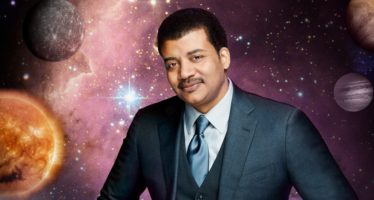 BETWEEN THE LINES WITH BARRY KIBRICK NEIL DEGRASSE TYSON – ASTROPHYSICS FOR PEOPLE IN A HURRY Part 2 – From Einstein to the Present